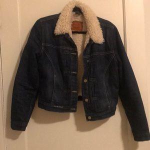 Cropped Shirling Denim Jacket